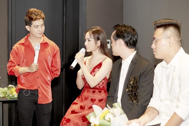 Sara Luu: 'Duong Khac Linh khong cho toi mua bai cua nhac si khac' hinh anh 12