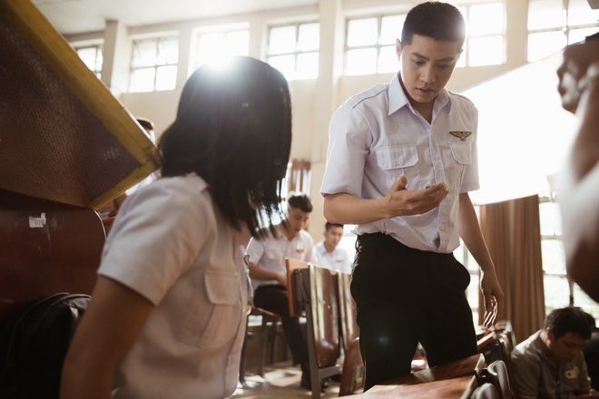 Noo Phuoc Thinh de toc dai lang tu, phong tran trong MV moi hinh anh 9