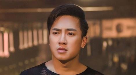 MV ke chuyen giup Chau Khai Phong gay chu y sau hit 'Ngam hoa le roi' hinh anh