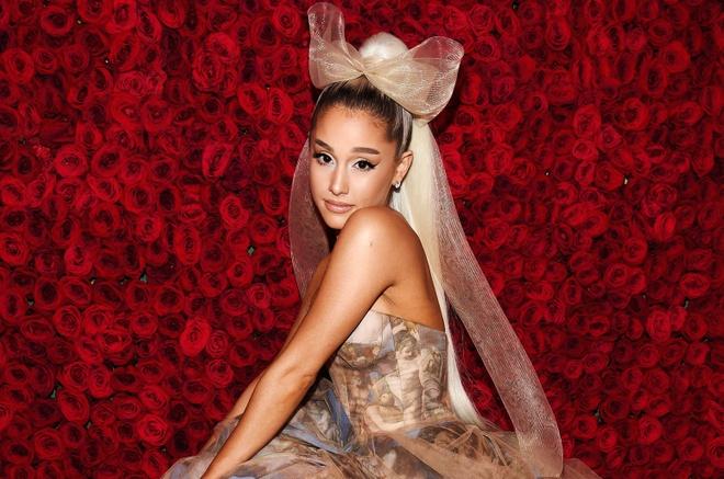 Ariana Grande tiep tuc huy show vao phut chot qua mang xa hoi hinh anh 2
