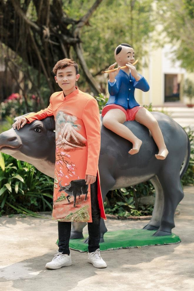 Ho Van Cuong nhuom toc, lon phong phao sau 3 nam tu Vietnam Idol Kids hinh anh 7