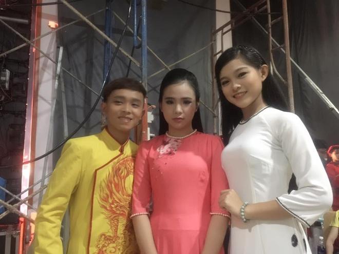 Ho Van Cuong nhuom toc, lon phong phao sau 3 nam tu Vietnam Idol Kids hinh anh 8