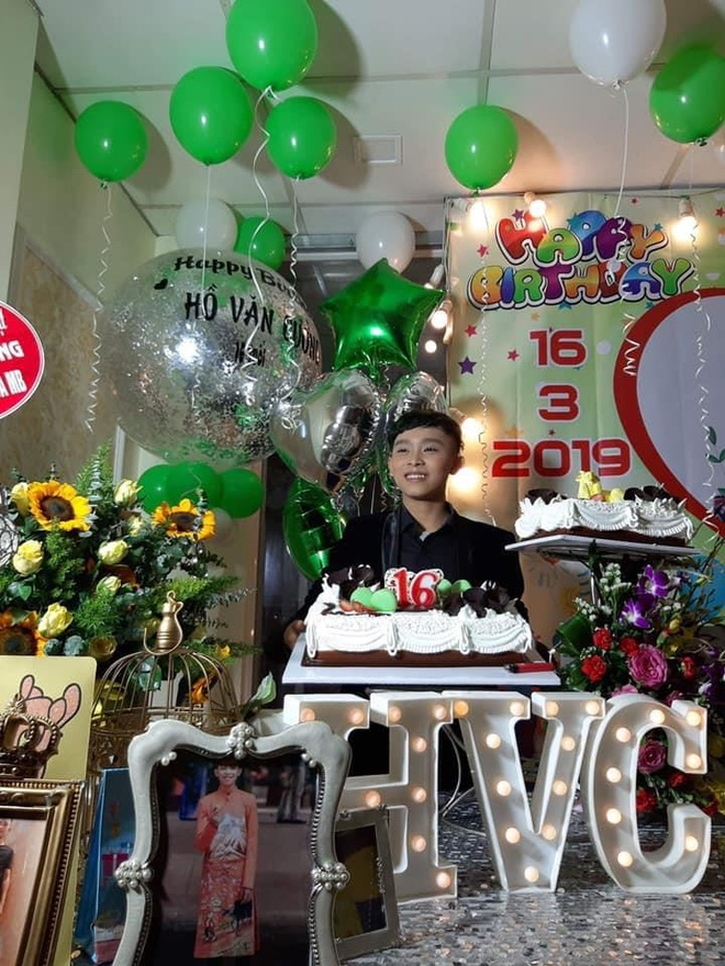 Ho Van Cuong nhuom toc, lon phong phao sau 3 nam tu Vietnam Idol Kids hinh anh 10