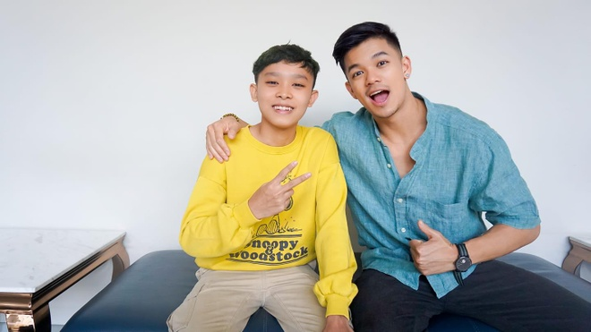 Ho Van Cuong nhuom toc, lon phong phao sau 3 nam tu Vietnam Idol Kids hinh anh 9