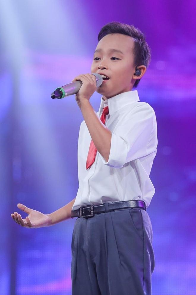 Ho Van Cuong nhuom toc, lon phong phao sau 3 nam tu Vietnam Idol Kids hinh anh 2