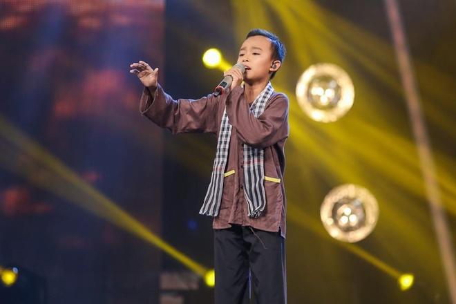 Ho Van Cuong nhuom toc, lon phong phao sau 3 nam tu Vietnam Idol Kids hinh anh 3