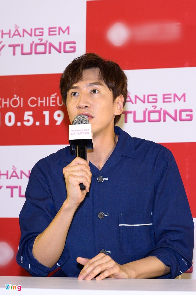 Kwang Soo (Running Man) banh bao trong buoi ra mat phim o Sai Gon hinh anh 4