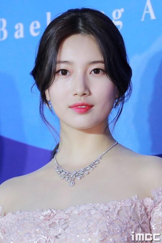 Suzy lan at 'Hoa hau Han dep nhat lich su' tren tham do hinh anh 3