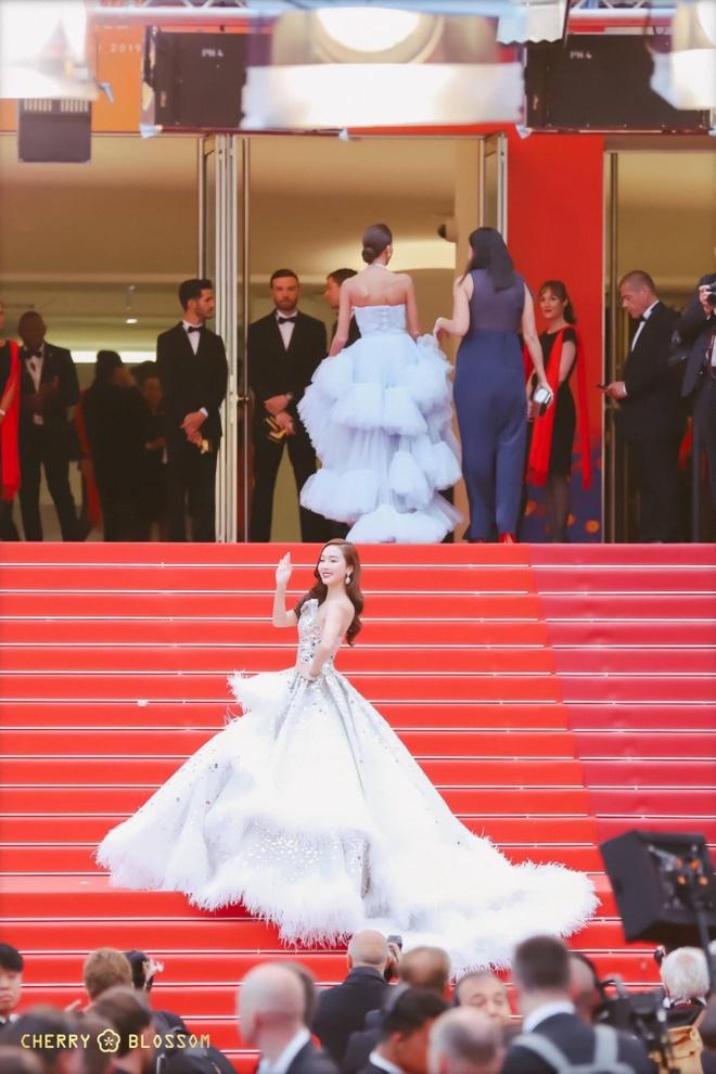 Jessica Jung mac vay cong kenh, suyt nga khi di tham do Cannes 2019 hinh anh 8