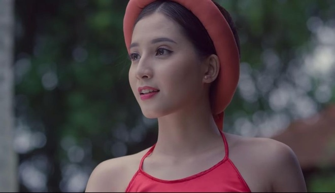 Nhan sac giong Angela Phuong Trinh cua hot girl 9X dong MV 'To tinh' hinh anh 1