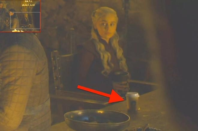 Fan phan no vi chai nuoc bi bo quen trong tap cuoi 'Game Of Thrones' hinh anh 2