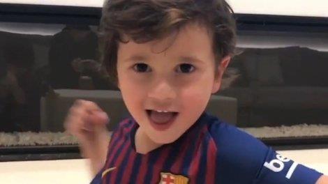 Con trai Messi hao hung khi nghe nhac Justin Bieber hinh anh