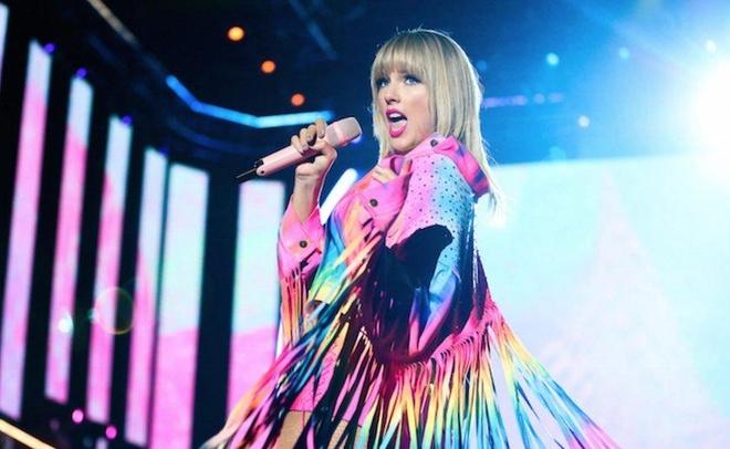 Taylor Swift tro lai, gay that vong khi thua kem BTS hinh anh 2