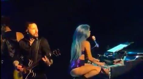 Lady Gaga tuyen bo keo dai show dien tai Las Vegas (My) them 2 nam hinh anh