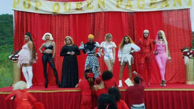 Katy Perry om chat Taylor Swift trong MV moi sau 6 nam bat hoa hinh anh 6