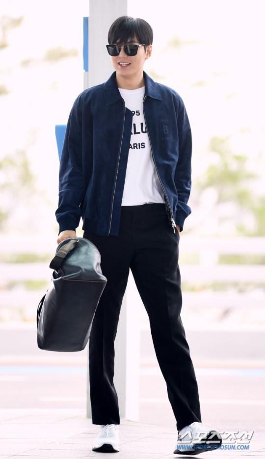Lee Min Ho xuat hien dien trai tai san bay sau khi bi che vi tang can hinh anh 5