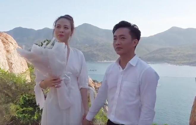 Cuong Do La khoc khi cau hon Dam Thu Trang ben bo bien hinh anh 2