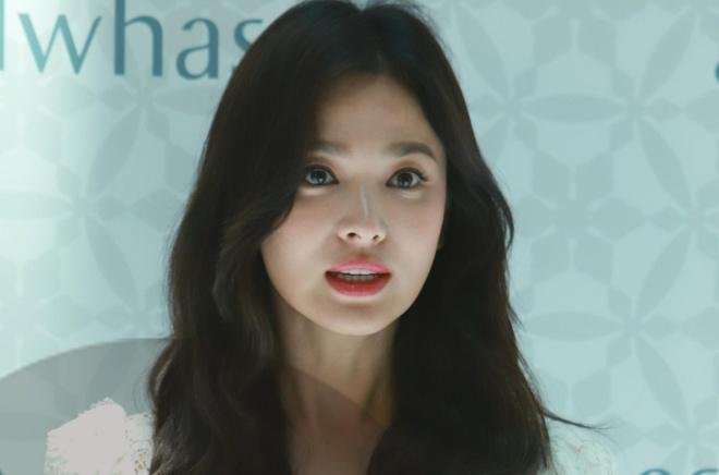 Song Hye Kyo trong gay go, met moi xuat hien sau ly hon Song Joong Ki hinh anh 1