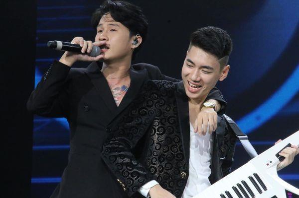 Jack va K-ICM: 'So sanh chung toi voi Son Tung la chuyen hien nhien' hinh anh