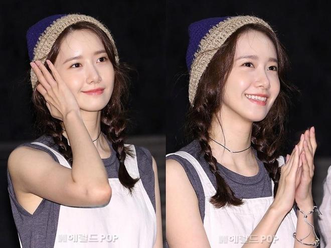 Yoona (SNSD) trông giống nữ sinh trung học dù gần 30 tuổi