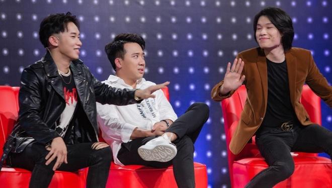 Tran Thanh goi Quang Trung va Kay Tran la 'hai vo chong' hinh anh