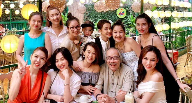 Dieu Nhi dang anh hop lop, tiet lo hoc cung Nha Phuong va Thuy Ngan hinh anh 3