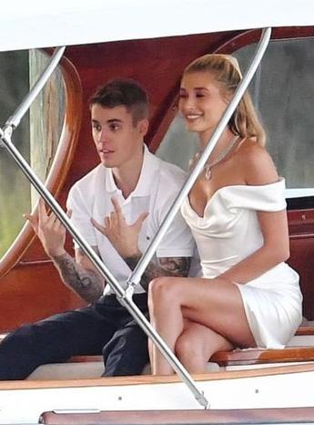 Justin Bieber lay lai ve ngoai phong do trong ngay cuoi hinh anh 3