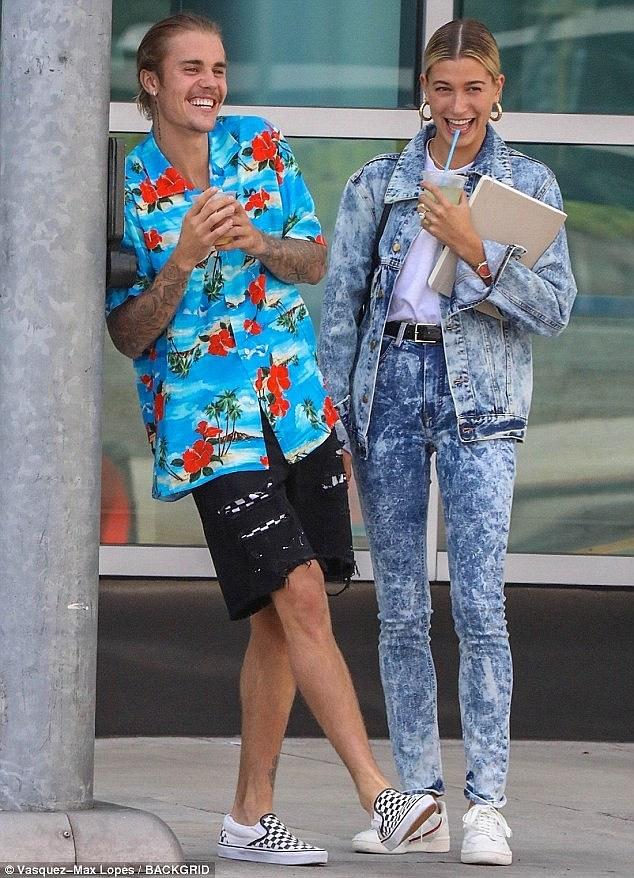 Justin Bieber lay lai ve ngoai phong do trong ngay cuoi hinh anh 8