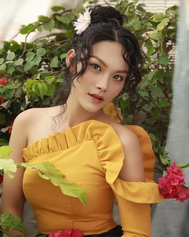 Voc dang goi cam cua dien vien Thanh Tu hinh anh 4