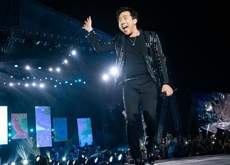 Tran Thanh lam khach moi trong dem nhac cam xuc cua Khac Viet hinh anh
