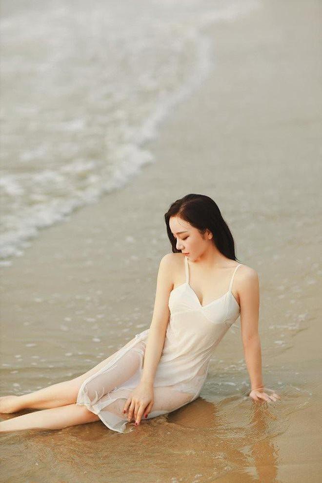 Nha Tien - tu hot girl ngu gat den co gai chieu tro, nghien khoe than hinh anh 9