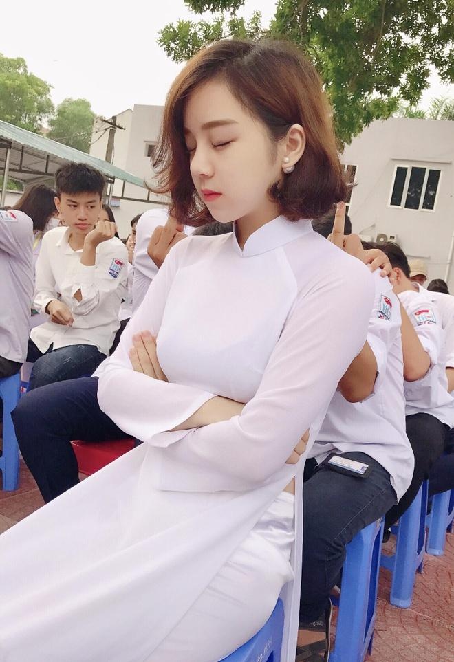 Nha Tien - tu hot girl ngu gat den co gai chieu tro, nghien khoe than hinh anh 2