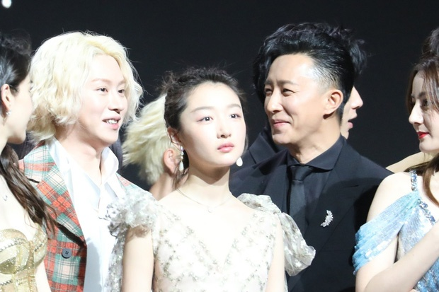 Han Geng om Hee Chul sau 10 nam roi Super Junior hinh anh 5