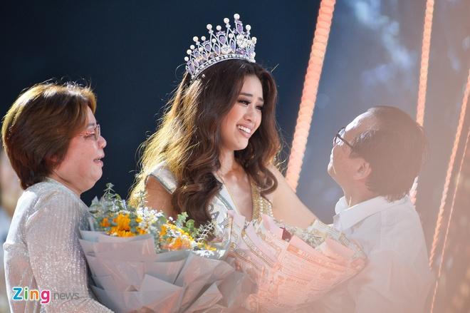 Nguyen Tran Khanh Van dang quang Hoa hau Hoan vu Viet Nam 2019 hinh anh 44