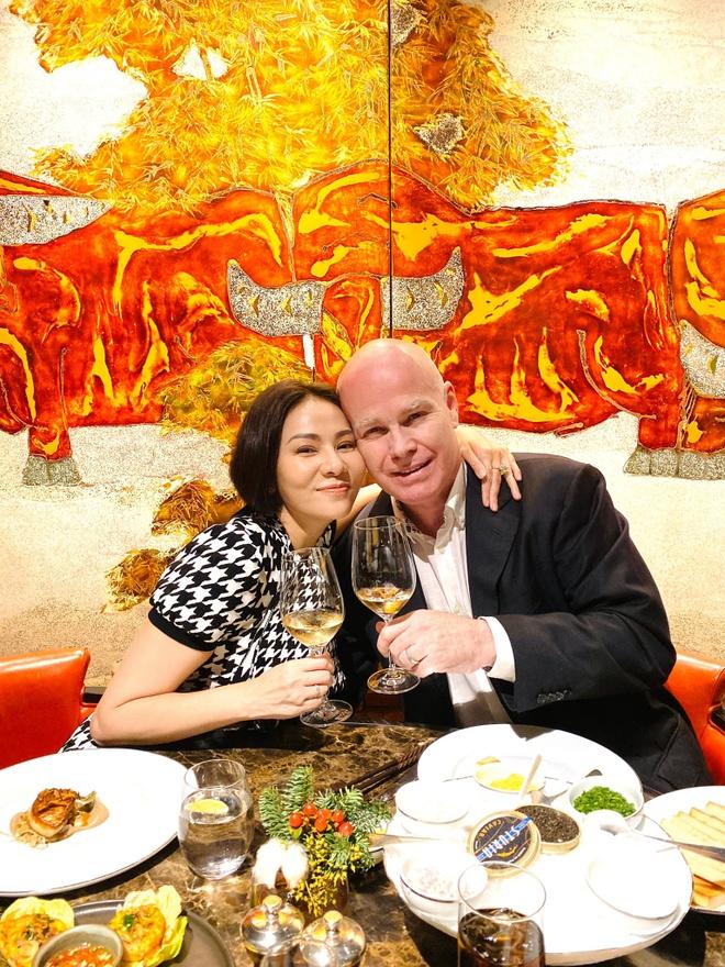 Angela Phuong Trinh di chua, Chi Pu tu tap hoi ban than dem Noel hinh anh 15 null