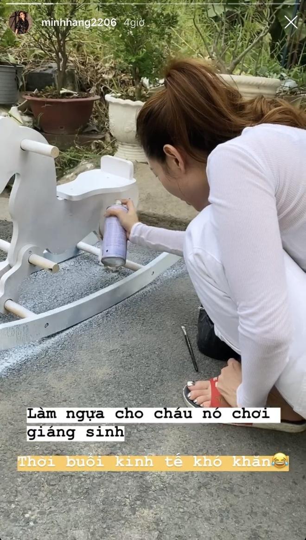 Angela Phuong Trinh di chua, Chi Pu tu tap hoi ban than dem Noel hinh anh 10 null