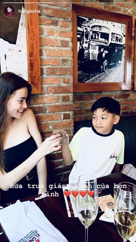 Angela Phuong Trinh di chua, Chi Pu tu tap hoi ban than dem Noel hinh anh 5 IMG_6926.jpg