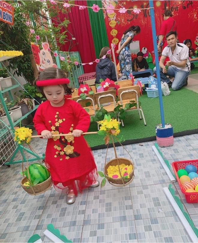 Con gai Hoai Lam va cac sao Viet mac ao dai don Tet hinh anh 6 81555341_2627094747527176_699267503817228288_o_1.jpg