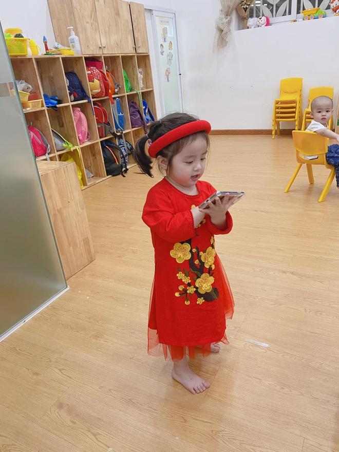 Con gai Hoai Lam va cac sao Viet mac ao dai don Tet hinh anh 4 82434215_2627094550860529_3047390059423596544_o.jpg