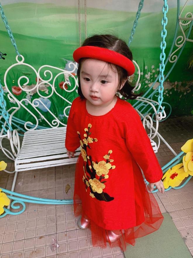 Con gai Hoai Lam va cac sao Viet mac ao dai don Tet hinh anh 2 82602478_2627094257527225_9192240756683702272_o.jpg