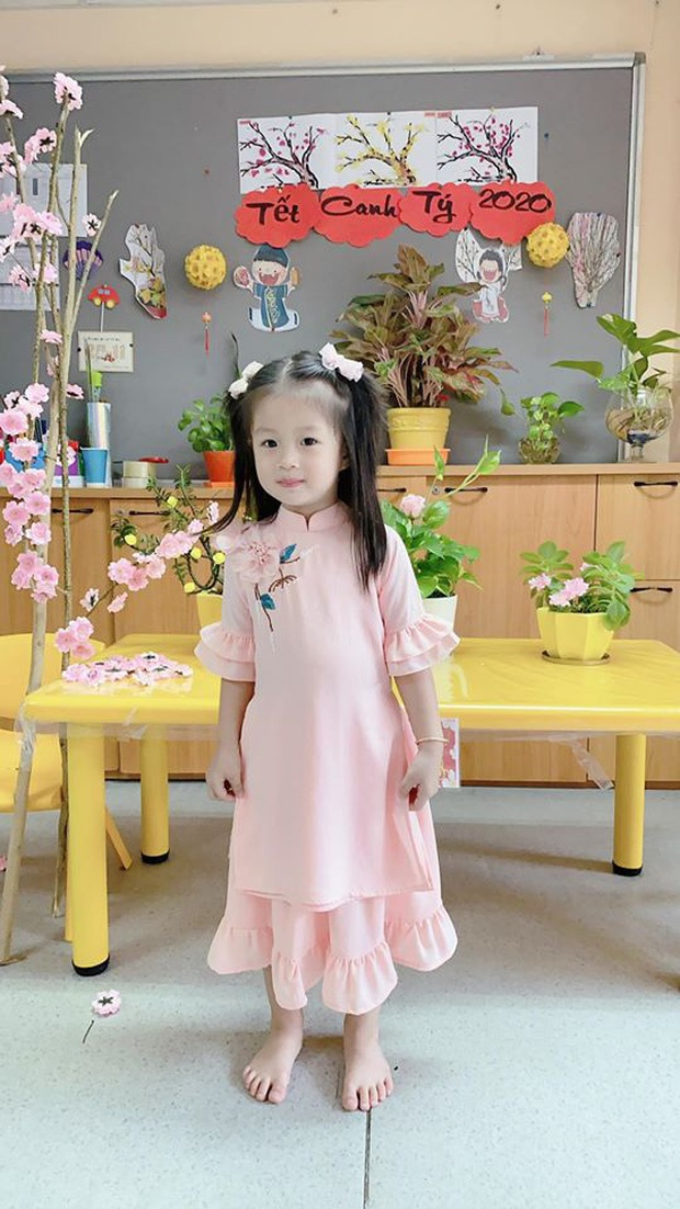 Con gai Hoai Lam va cac sao Viet mac ao dai don Tet hinh anh 10 8350381026924439508396175226326470191742976o_15792396529731847185205.jpg