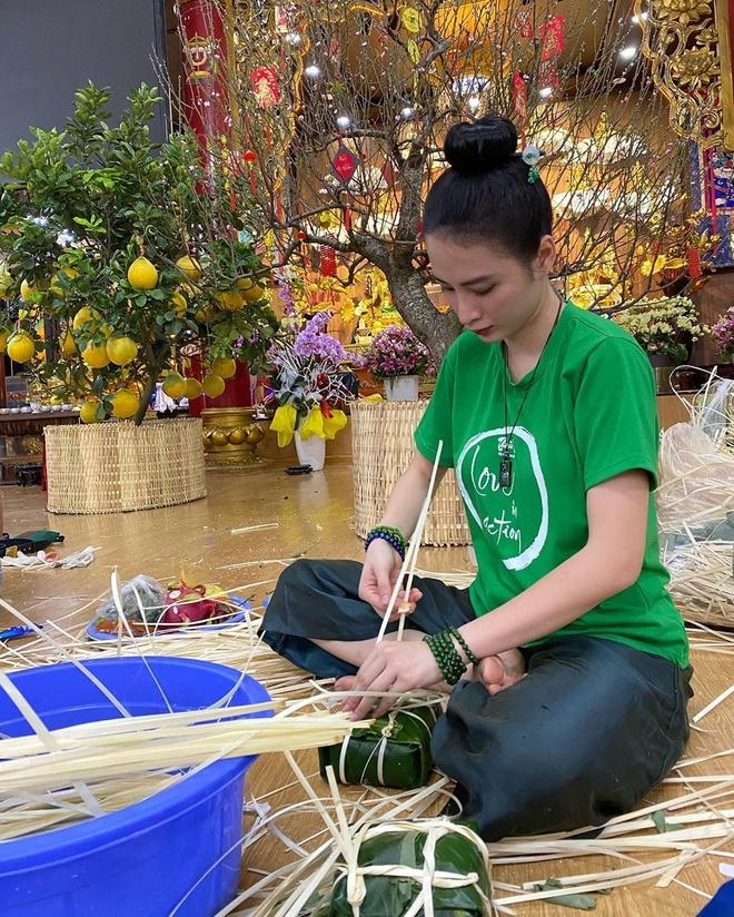 Angela Phuong Trinh goi banh chung, Duc Phuc sam hang hieu ngay Tet hinh anh 1 81347541_624777411398798_8296342915333930241_n.jpg