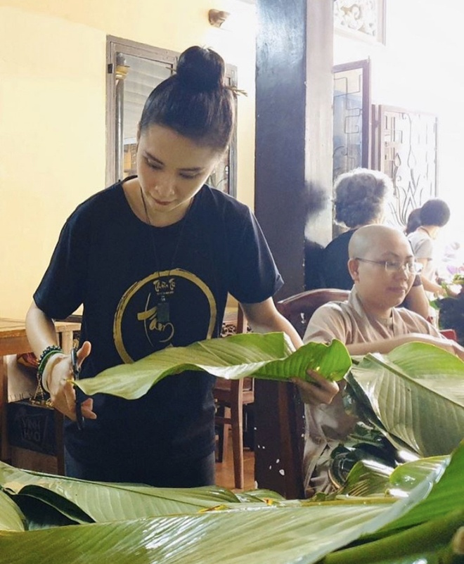 Angela Phuong Trinh goi banh chung, Duc Phuc sam hang hieu ngay Tet hinh anh 3 IMG_8275.jpg