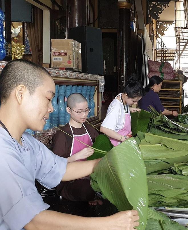 Angela Phuong Trinh goi banh chung, Duc Phuc sam hang hieu ngay Tet hinh anh 5 IMG_8277.jpg