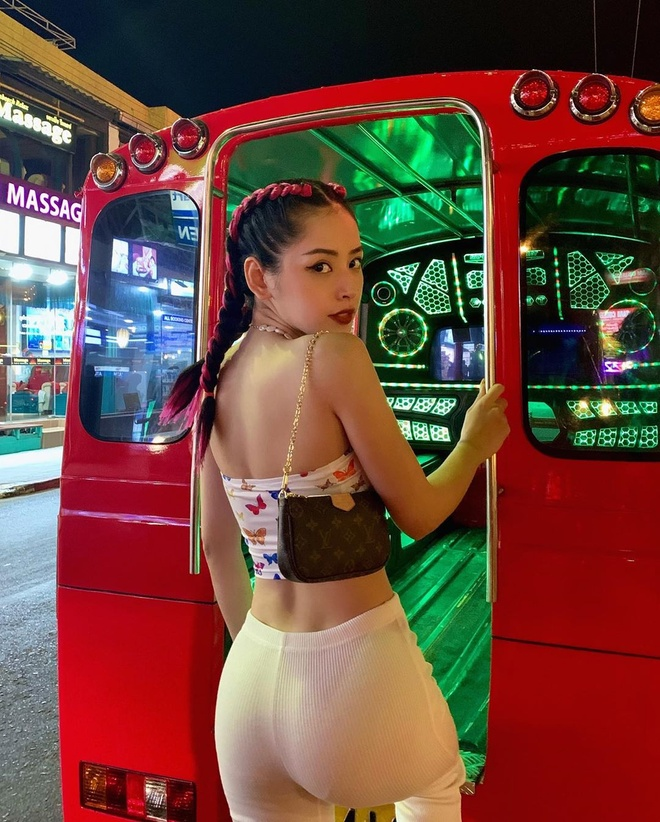 Sao Viet mac sexy, du lich nuoc ngoai dip Tet Nguyen dan hinh anh 8 82043993_1044675119226102_7907200937124896721_n.jpg