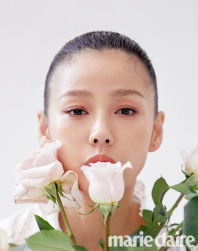 'Nu hoang goi cam' Lee Hyori tre trung tuoi 41 hinh anh 1 202002211019395180_img_01.jpg
