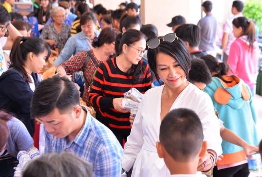 Nhung nghe si Viet cham chi lam tu thien hinh anh 5 hat_gao_chia_doi_16.jpg