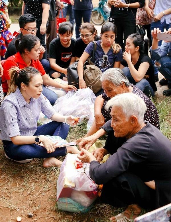 Nhung nghe si Viet cham chi lam tu thien hinh anh 7 my_tam_dang_sau_nhung_chuyen_di_tu_thien_khon_gi_ma_khon_the_59_.6821.jpg