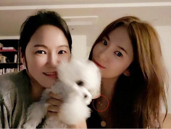 6 dau hieu yeu duong tro lai cua Song Hye Kyo va Hyun Bin hinh anh 10