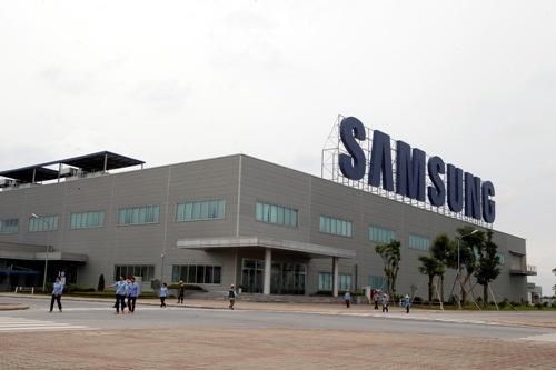 Vi sao Samsung, Nokia-Microsoft chuyen dai ban doanh ve VN? hinh anh